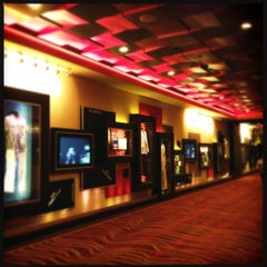 Photo taken at Seminole Hard Rock Hotel & Casino by Ber A. on 4/2/2012