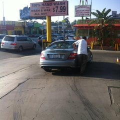 Photo taken at Silverlake Car Wash by Do K. on 5/8/2012