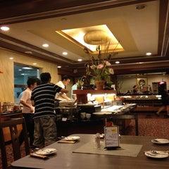 Photo taken at Lotus Vegetarian Restaurant by Tat Meng on 4/8/2012
