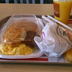 Photo taken at McDonald's by Jessenia S. on 3/6/2012