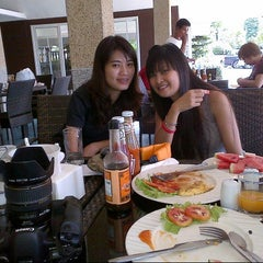 Photo taken at P. P. Erawan Palms Resort (พี พี เอราวัณ ปาล์ม รีสอร์ท) by ida Bagus p. on 7/10/2012