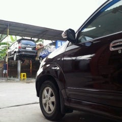 Photo taken at Istana Steam Car Wash by Muhammad F. on 8/7/2012