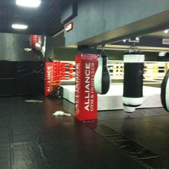 Photo taken at Alliance Gym & Fight Club by Тигран М. on 8/29/2012