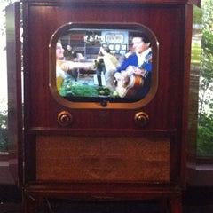 Photo taken at Elvis Presley's Heartbreak Hotel by Kelli☮♡ on 7/27/2012