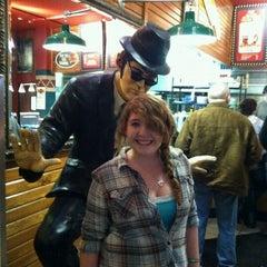 Photo taken at Fuddruckers by Keanna J. on 3/9/2012