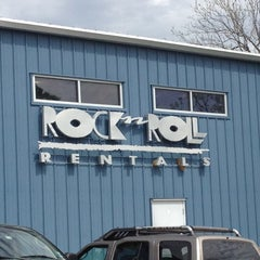 Photo taken at Rock n Roll Rentals by Stephane B. on 3/20/2012