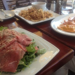 Photo taken at Ugo by Kaname M. on 8/11/2012