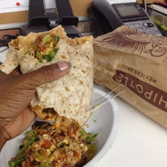 Photo taken at Chipotle Mexican Grill by King-Christopher J. on 6/25/2012
