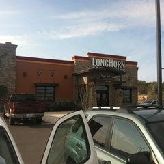 Photo taken at LongHorn Steakhouse by Dajana V. on 2/4/2012