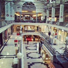 Photo taken at Patio Bullrich by Cleriston D. on 8/27/2012