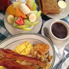 Photo taken at Hudson Diner by Dan L. on 5/25/2012