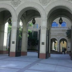 Photo taken at USC School of Cinematic Arts (SCA) by Miguel M. on 4/27/2012