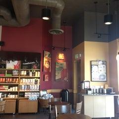 Photo taken at Starbucks by Yxes 💋🍂🍁 ☕. on 7/20/2012