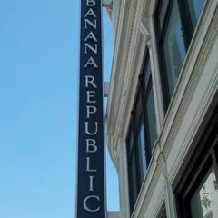 Photo taken at Banana Republic by Michelle on 7/22/2012