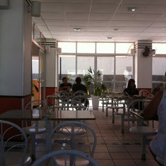 Photo taken at McDonald's by Gustavo V. on 2/16/2012