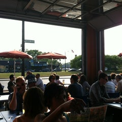 Photo taken at Woodward Avenue Brewers by Matt H. on 5/24/2012