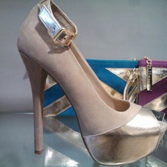Photo taken at Bakers Shoes by Chez S. on 3/31/2012