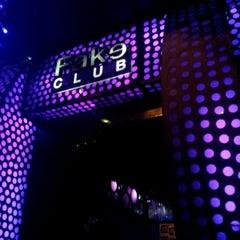 Photo taken at Fake Club by thanutcha W. on 2/24/2012