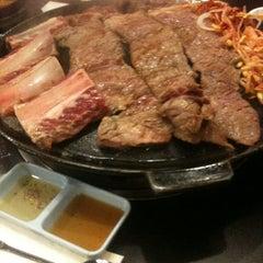 Photo taken at Honey Pig Gooldaegee Korean Grill by Toan D. on 5/13/2012