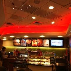 Photo taken at Krispy Kreme by Tonyo C. on 8/14/2012
