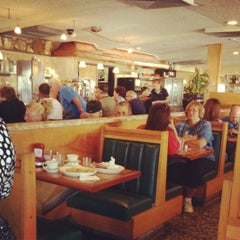 Photo taken at Bridgeport Flyer Diner by Sarah on 8/29/2012