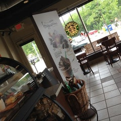 Photo taken at Starbucks by Ozzy on 6/1/2012