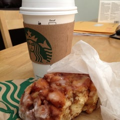 Photo taken at Starbucks by L S. on 3/17/2012