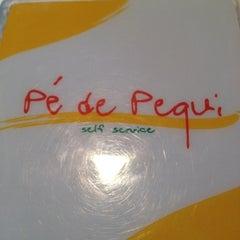 Photo taken at Restaurante Pé de Pequi by Fabiano A. on 2/17/2012