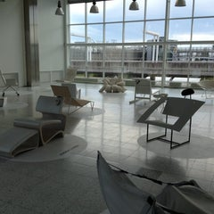 Photo taken at SAS Business Lounge by Yuki B. on 6/16/2012