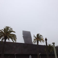 Photo taken at de Young Museum by Tony O. on 8/14/2012
