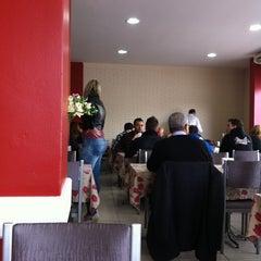 Photo taken at Nutri Vida Restaurante by Maria Beatriz C. on 8/29/2012