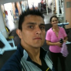 Photo taken at Golden Fitness by César A. on 4/27/2012