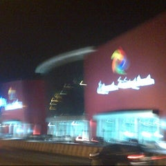 Photo taken at Madina Mall مدينة مول by Shaay106 on 8/31/2012
