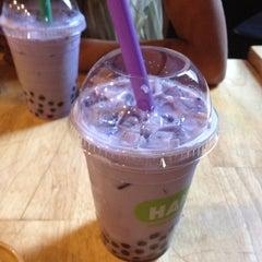 Photo taken at Hanco's Bubble Tea & Vietnamese Sandwich by Ali on 7/9/2012
