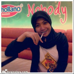 Photo taken at Vanhollano by Zuliana G. on 8/13/2012