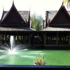 Photo taken at Takolaburi Cultural and Spa Resort by Jiroj V. on 2/11/2012