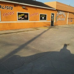 Photo taken at Taqueria De Jalisco No 1 by Julio S. on 8/31/2012
