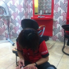 Photo taken at Fendri Salon by Caecilia Y. on 8/5/2012