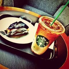 Photo taken at Starbucks (สตาร์บัคส์) by Tae N. on 4/16/2012