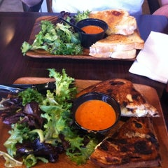 Photo taken at Heywood - A Grilled Cheese Shoppe by Jineene D. on 7/26/2012