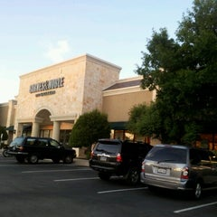 Photo taken at Barnes & Noble by Marwa on 6/22/2012