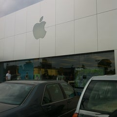 Photo taken at Apple Store, Friendly Center by Boson B. on 8/10/2012