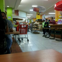Photo taken at Tiendas Jumbo Cabecera by Cristian on 6/12/2012