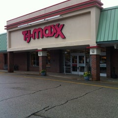 Photo taken at T.J. Maxx by Bob H. on 6/25/2012