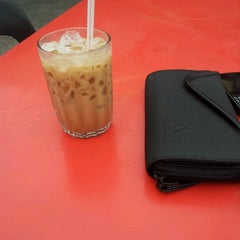 Photo taken at Restoran Vicchuda Meru Indah by Eddy Z. on 6/30/2012