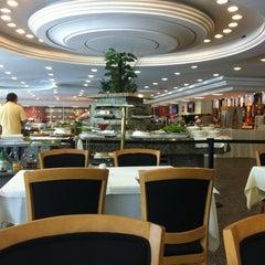 Photo taken at Pão Com Manteiga - Padaria & Grill by Leo S. on 3/22/2012