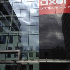 Photo taken at Hotel AXOR Barajas****plus by Chloé O. on 4/19/2012