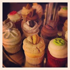 Photo taken at Trailercakes by Dallas Foodie (. on 2/28/2012