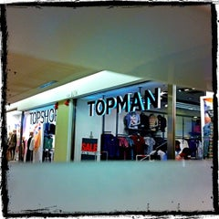 Photo taken at Topshop/Topman by Yeh 😍⚽🏀🍻🍔🍱🍣😍 on 9/1/2012
