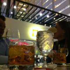 Photo taken at Atrium Lounge - Marriott Marquis by Tony S. on 2/11/2012